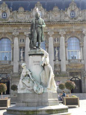 monument_jacquard_01.jpg