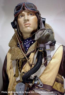 Pilotes_RAF_gros_plan ok.JPG