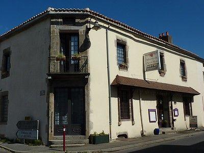 lechevalblanc-façade.jpg