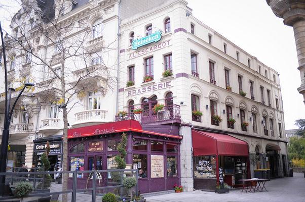 restaurant-lescargot-valenciennes-place-d-armes-terrasse.jpg