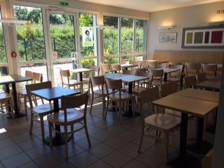 photo salle petit déjeuner.JPG