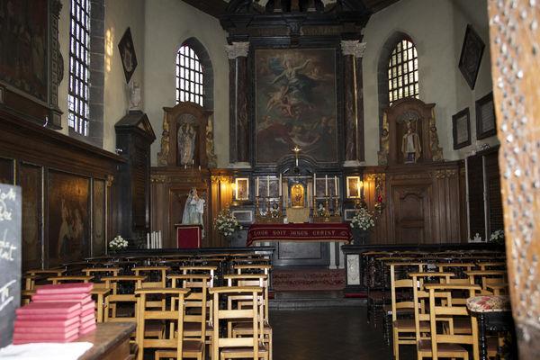 chapelle ntre dame de bon vouloir-mur interieur.jpg