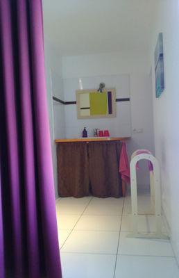 La Mardelle Salle de bain côté vasque.jpg
