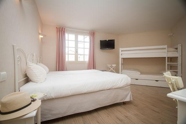 hotel restaurant l'ermitage +á saulges - laval - sable sur sarthe - logis de france - vaiges - maitres restaurateur - a81 - chambre confort (1).jpg