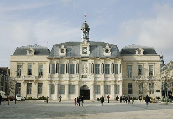H tel de ville de troyes troyes troyes champagne tourisme - Troyes office de tourisme ...