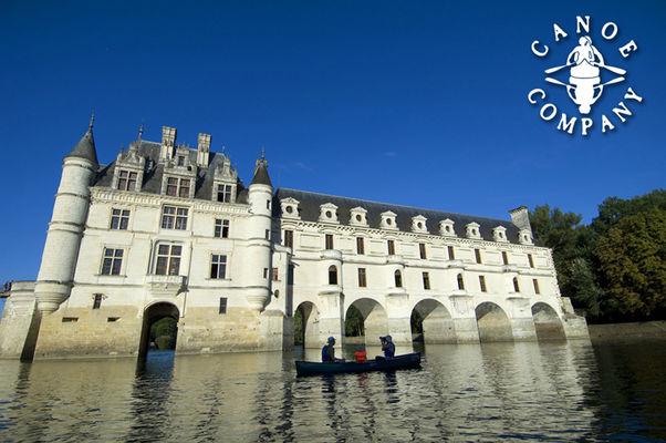 Canoë Company devant le château de Cheonceau