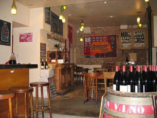 Aux Crieurs de vin - Bar et restaurant.jpg