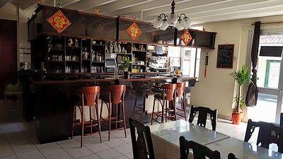 Shanghai-bar-sit.jpg