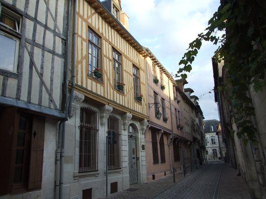 Synagogue façade - rue Brunneval.jpg
