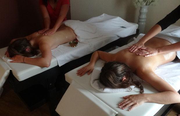 Massage-duo.JPG