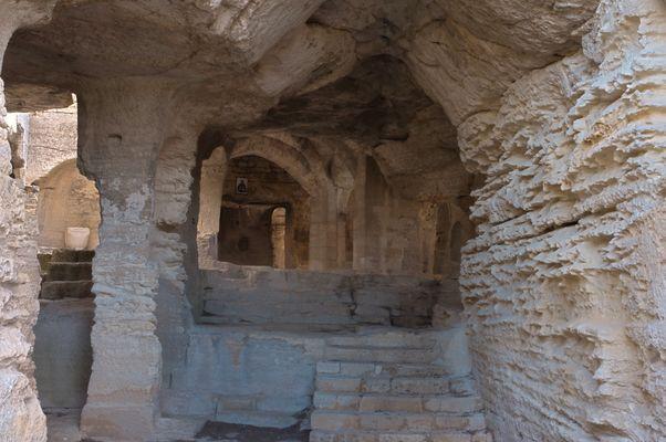 Abbaye de Saint Roman2.jpg