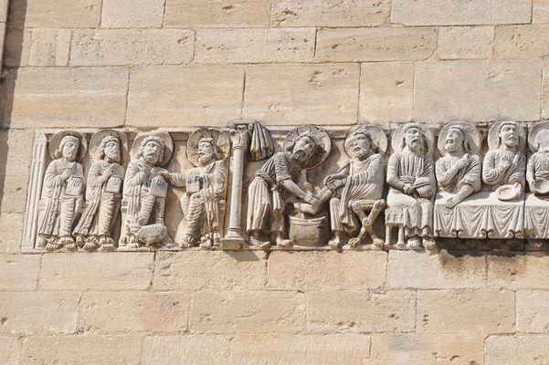 Eglise Notre Dame des Pommiers 010.jpg