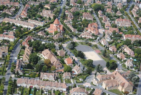 31 août 2011 Hélico 18-55mm 770 Cité Chemin Vert Eglise Saint-Nicaise © Olivier Rigaud (3).jpg