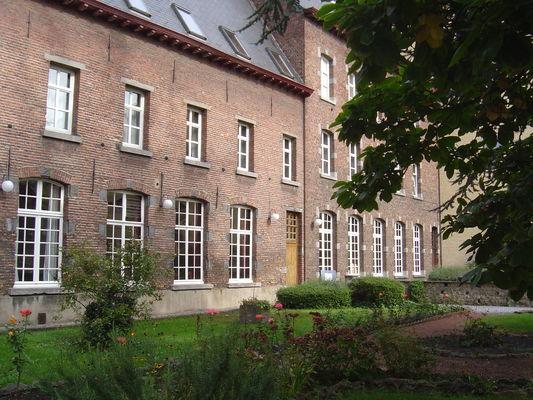 ADF - facade.JPG