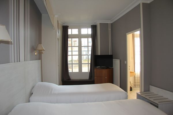 1-ch-executive-twin-hotel-saint-julien