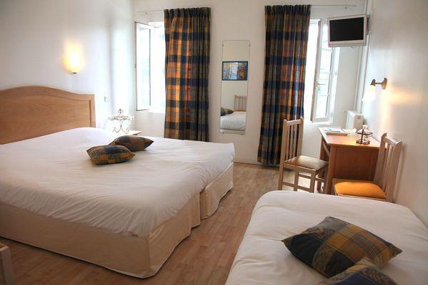 Chambre double avec lit supplémentaire