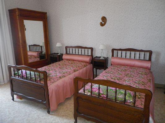 Grande chambre avec lits jumeaux