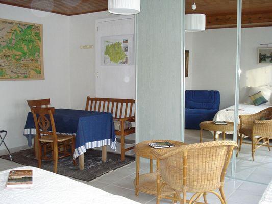 Salle à manger lumineuse