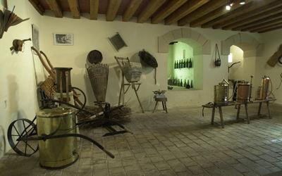 Musée de la vigne et de l'outil_intérieur < Fossoy < Aisne < Picardie