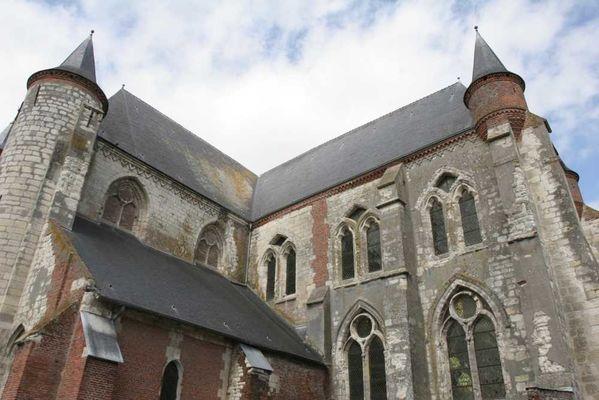 Eglise fortifiée < Montcornet < Aisne < Picardie