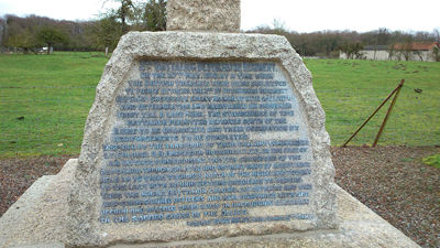 Monument britannique 2e Bataillon Devonshire Regiment I < La Ville-aux-Bois-les-Pontavert < Aisne < Picardie