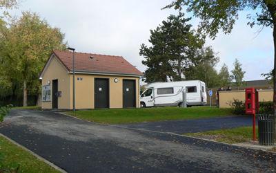 Aire d'accueil et de services_camping-car_vue_emplacement < Château-Thierry < Aisne < Picardie