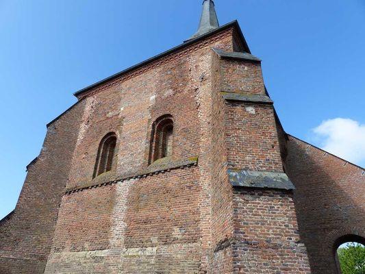 Eglise fortifiée < Archon < Aisne < Picardie