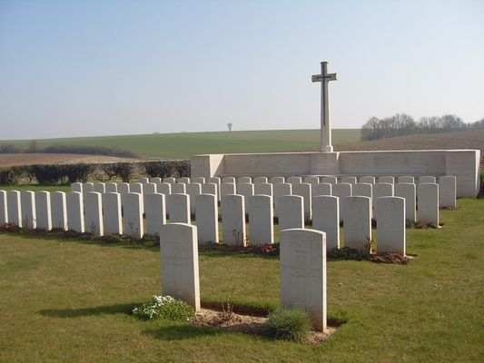 Cimetière de Berthaucourt < Guerre 14-18 < WWI < Pontru < Aisne < Picardie < France