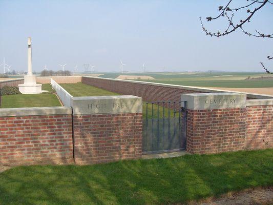 Cimetière de l'arbre haut de Montbrehain < Guerre 14-18 < WWI < Montbrehain < Aisne < Picardie < France