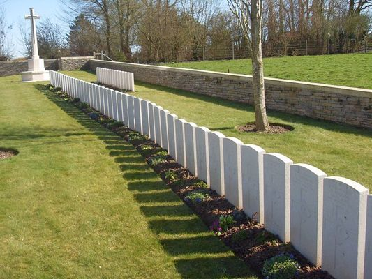 Cimetière britannique de Sequehart n°2 < Guerre 14-18 < WWI < Sequehart < Aisne < Picardie < France
