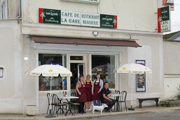Cafe-de-la-Gare-Vichel-Nanteuil-1