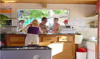 Camping du lac_réception<Monampteuil<Aisne<Picardie