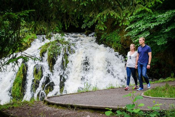 La cascade et le domaine de Blangy