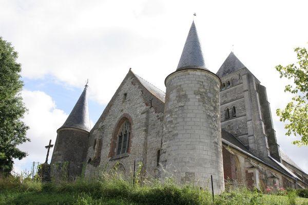 Eglise fortifiée < Chaourse < Aisne < Picardie