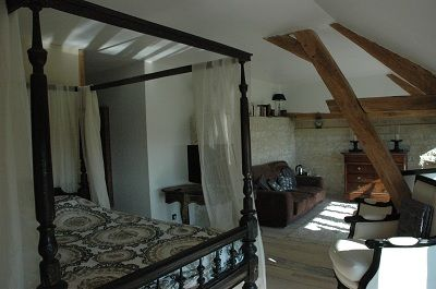 Château de Clermont les fermes chambre4 < Clermont les fermes < Aisne < Picardie