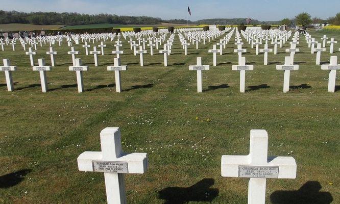 Cimetiere militaine Vic sur Aisne © OT Villers-Cotterets (1)
