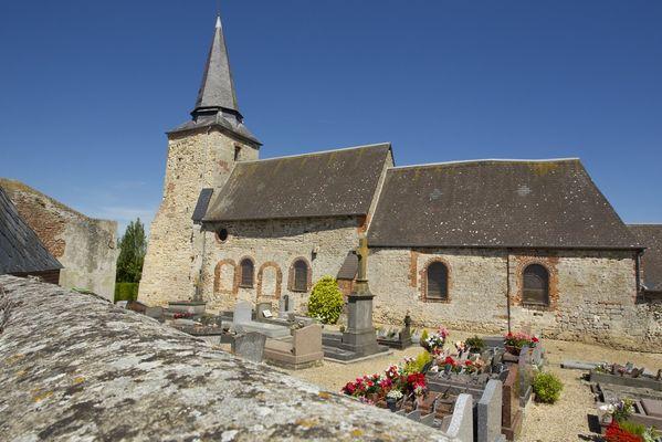 Eglise fortifiée de Faty < Thiérache < Aisne < Picardie