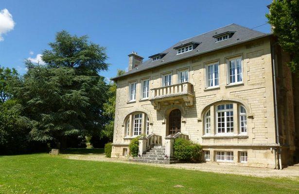 La chambre au chateau de Pernant (2)
