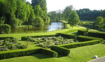 Le Jardin du Prieuré de Longpré_vue_jardin < Haramont < Aisne < Picardie