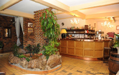 Le Pot d'Etain_salle_restaurant < Holnon < Aisne < Picardie