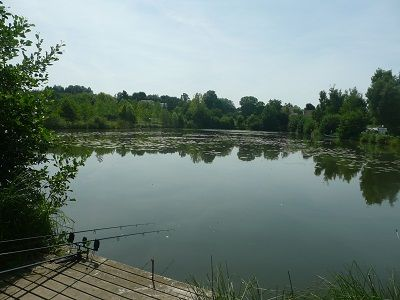 Le vivier aux carpes lac < Seraucourt < Aisne < Picardie