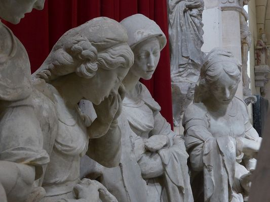 Mise au tombeau, église Notre-Dame. SISSY