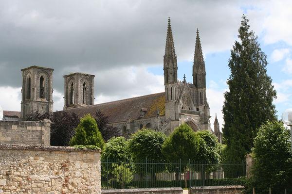 Ensemble abbatial Saint-Martin IV < Laon < Aisne < Picardie