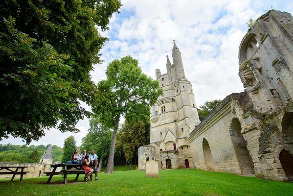 La résidence des évêques < Aisne