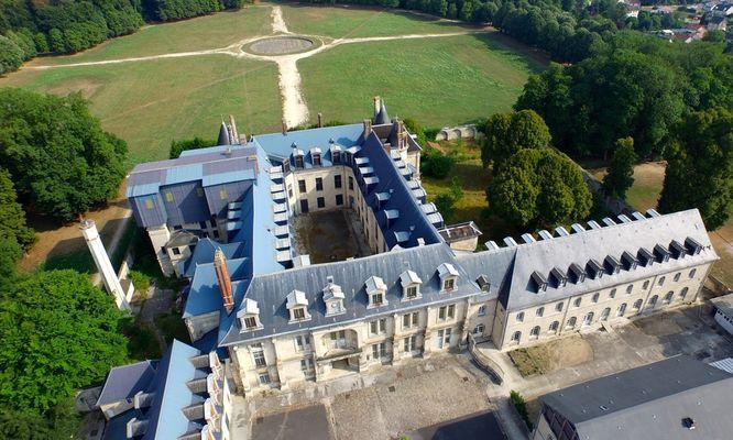 château et parc de Villers-Cotterêts ©VisualDrone