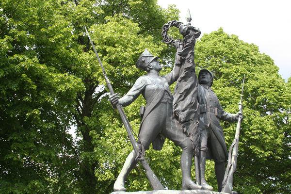 Monument des Marie-Louise 2015 I < Bouconville-Vauclair < Aisne < Picardie