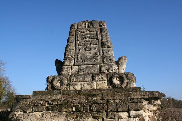 Monument allemand 2015 I < Pancy-Courtecon < Aisne < Picardie