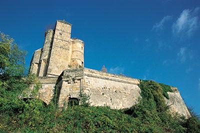 Le Château de Pernant