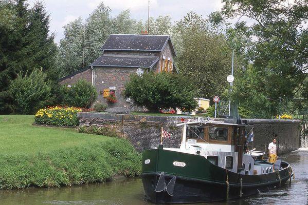 LE CANAL DE LA SAMBRE