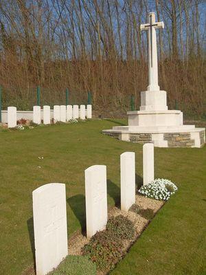 Ciemtière militaire de Marteville < Guerre 14-18 < WWI < Atilly < Aisne < Picardie